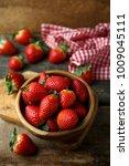 Fresh Organic Strawberry In...