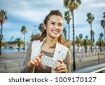 in barcelona for a perfect... | Shutterstock . vector #1009170127
