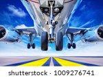 take off of an modern airliner   Shutterstock . vector #1009276741