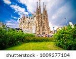 barcelona spain 29.04.2017 la... | Shutterstock . vector #1009277104
