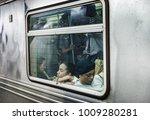 new york  usa   sep 22  2017 ... | Shutterstock . vector #1009280281