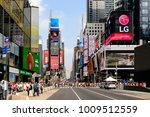 new york  usa   sep 16  2017 ... | Shutterstock . vector #1009512559