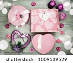 love valentine's day gift box... | Shutterstock . vector #1009539529