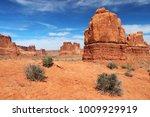 Amazing Utah Landscape With Re...