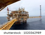 drilling rig in the gulf of... | Shutterstock . vector #1020362989