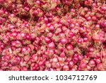 red onion on the market. pretty ...