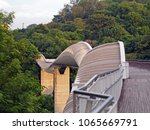 Henderson Waves bridge , the highest public pedestrian bridge in Singapore, 36 metres above the ground, connecting Mount Faber Park to Telok Blangah Hill Park.