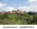 Small photo of Panorama di Lari