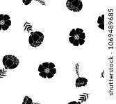 fashionable seamless pattern...   Shutterstock . vector #1069489685