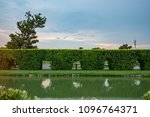 The view of the tree tunnel is a row of outdoor sticks in the park of Rama IX Park in Thailand.
