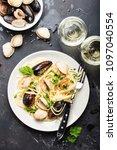 spaghetti vongole  italian... | Shutterstock . vector #1097040554