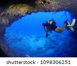 Scuba Diver Cave Dive...