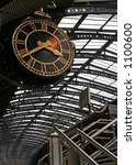 Big Clock At York Train Station ...