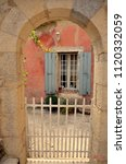 Small photo of Un regard sur la Provence en France