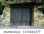 Antique Wooden Closed Door ...