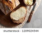 Artisan Sliced Toast Bread With ...