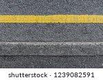 Seamless Single Yellow Line On...