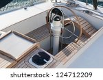 steer and compass on sailing