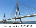 International Bridge  Linking...