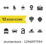 seasonal icons set with tag ...