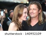 Постер, плакат: Brad Pitt and Angelina