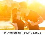 happy californian couple in...   Shutterstock . vector #1424913521