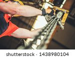 Caucasian Heavy Duty Chain Lift ...