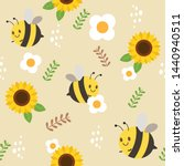 The Seamless Pattern Of Bee And ...