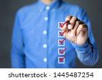 Checklist Concept  Businessman...