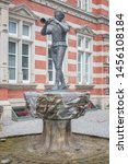 Pied Piper Statue  Rattenf...
