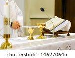 Catholic Mass   Holly Sacrific...