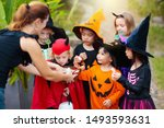 Kids Trick Or Treat On...