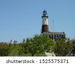 montauk lighthouse museum in... | Shutterstock . vector #1525575371