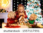 Kids Baking Christmas...