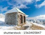 Stone Hut   Shelter Jeleni...