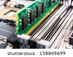 installation of computer memory