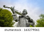 Wolfgang Amadeus Mozart Statue...