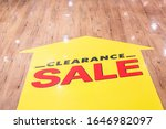 Red Clearance Sale Sticker Set...