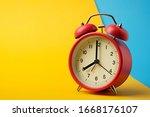 Red Vinatge Alarm Clock Show 8...