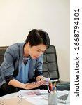 female vietnamese ui designer...
