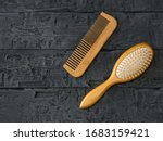 Massage comb and comb comb on a ...