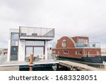 Floating Homes   Houseboats...
