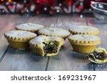 Festive Christmas Mince Pies O...