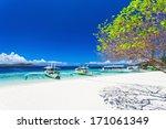 Filipino Boats In The Sea ...