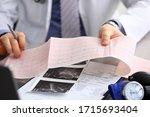Doctor Explains Cardiogram Data ...