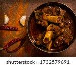 Mutton Kosha Garnish With Spices