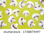 White Mushrooms. Champignon...