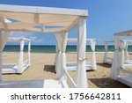 White Canopy Beach Beds By Th...