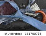 tie  umbrella  wallet  pen