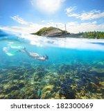 Beautiful Underwater World On ...